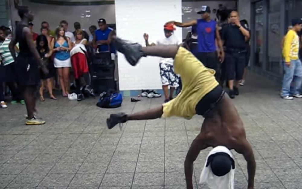 576.METRO DANCE / Global - METRO DANCE is a global dance phenomena of people dancing different style of dances in the metro of various cities around the world. Those videos shot by amateurs become viral thanks to great joyfulness and freestyle of expression.