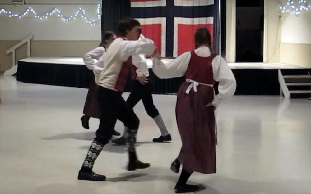 710.REINLENDER / Norway - REINLENDER is a Norwegian form of the schottische dance.