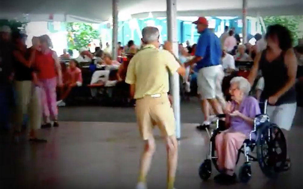 771.Senile Dance / Global - Senile Dance is a dance performed by people of such an old age you would not expect them to still be able to dance.