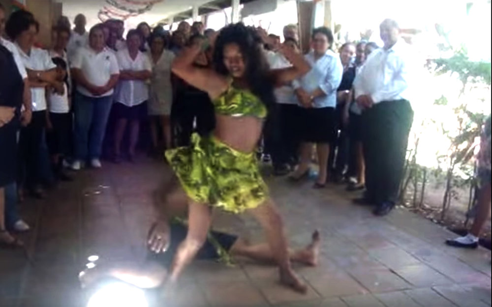 643.Palo de mayo / Nicaragua / Honduras / Panama - Palo de mayo is a type of Afro-Caribbean dance with sensual movements that forms part of the culture of several communities in the RAAS region in Nicaragua, as well as Belize, the Bay Islands of Honduras and Bocas del Toro in Panama. It is also the name given to the month-long May Day festival celebrated on the Caribbean coast. Both the festival and dance are an Afro-Nicaraguan tradition which originated in Bluefields, Nicaragua in the 17th century