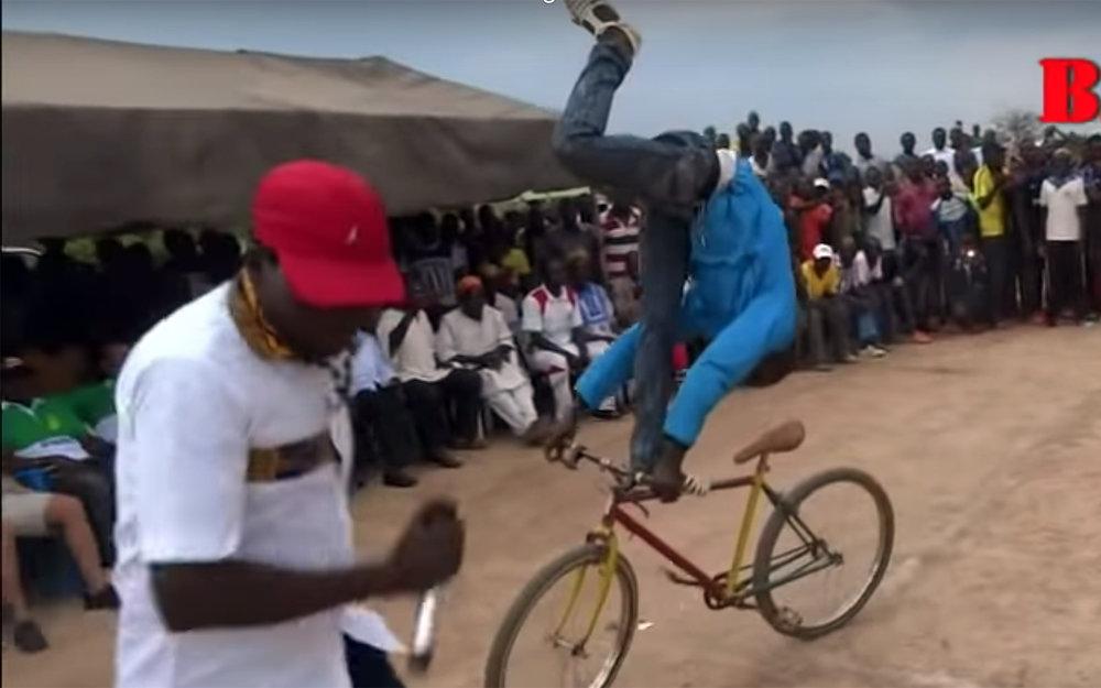 673.PONRE / Burkina Faso / Ivory Coast - PONRE is a freestyle street dance from Burkina Faso and Ivory Coast