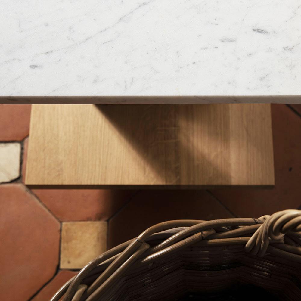 Plateforme Petit banc marbre détail 01