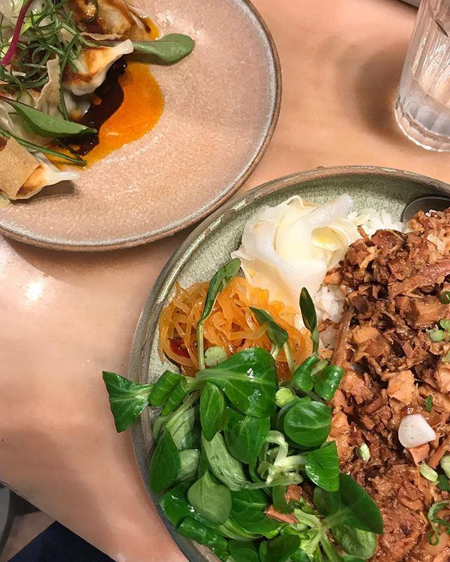 12.15 🔜🍽 . . . #friday#hungry#12oclock#restaurant#asianfood#asiancuisine#parisian#parisianrestaurant#parisianplace#republique#canalsaintmartin#paris#waitingfortheweekend