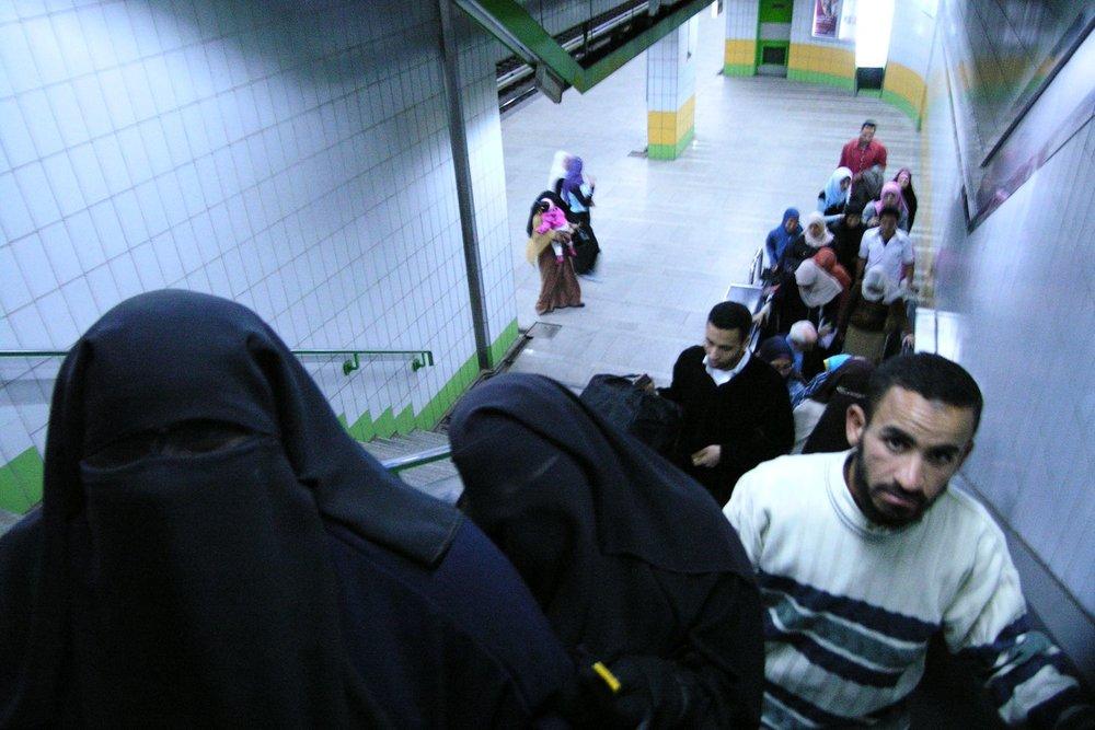 Cairo  Eygpt  Metro  Escalator  Muslin woman  ©sandrine cohen
