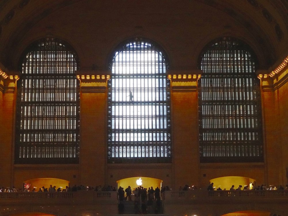 New York | Shadow at Grand Central Station | photo sandrine cohen