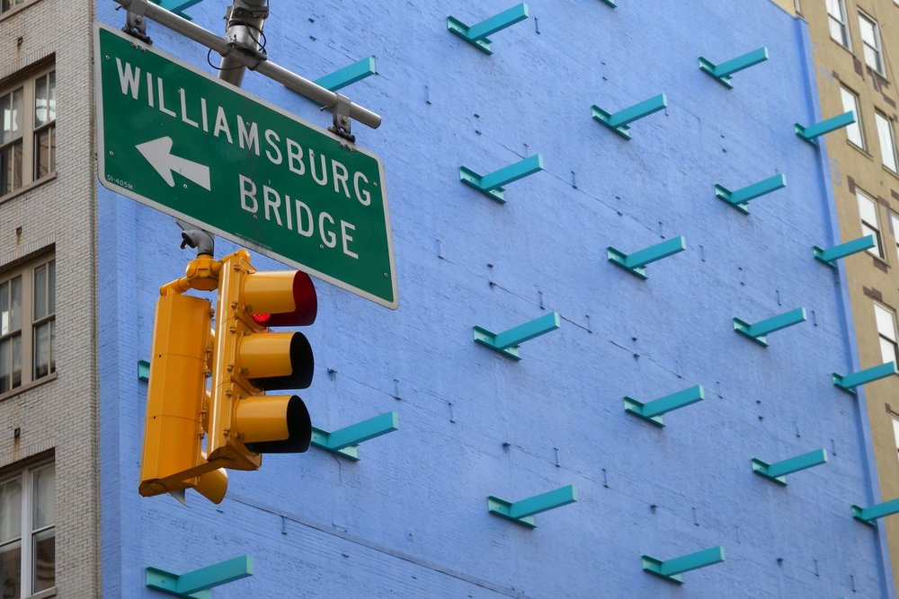 New York | Williamsburg bridge | Blue wall | photo sandrine cohen