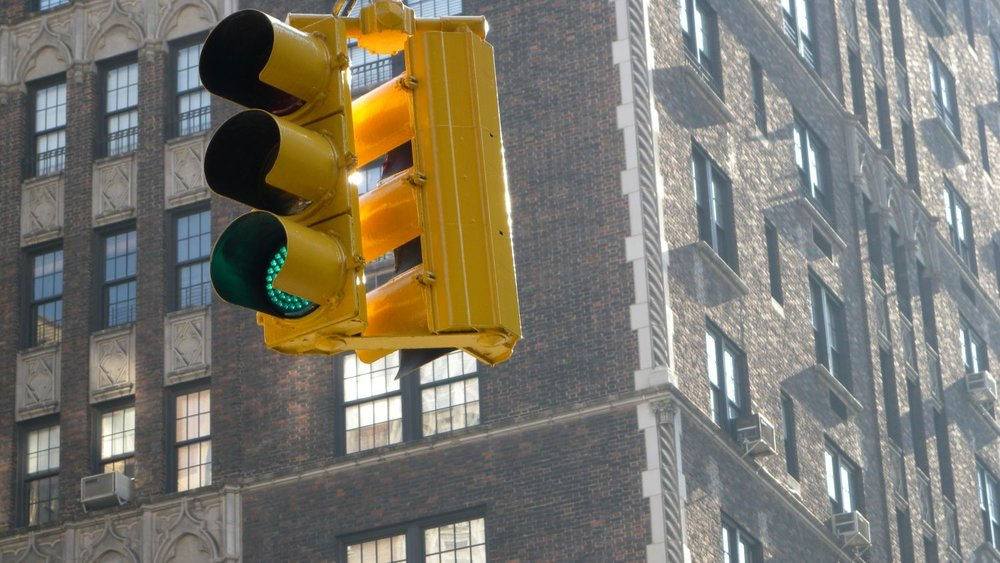 New York | Traffic lights yellow | photo sandrine cohen