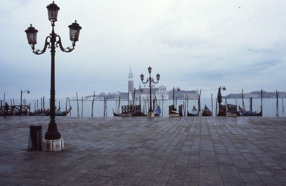 Venice | Venice in Winter | Gondolas | Giudecca Isle | streetphotograpy |Winter |©sandrine cohen