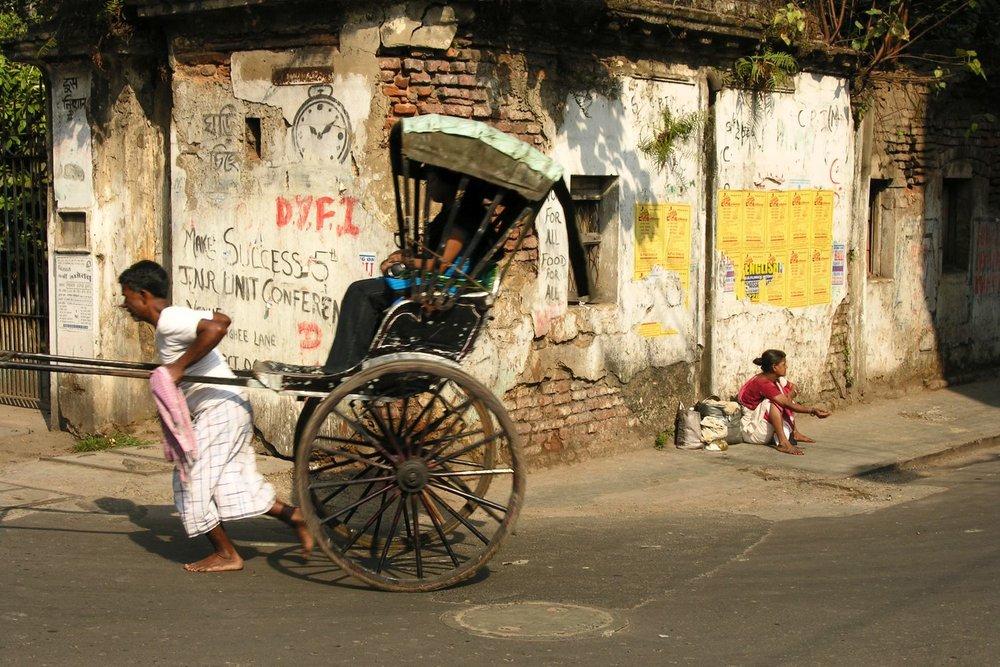 Kolkata - Calcutta   woman Rickshawala   homless   ©sandrine cohen
