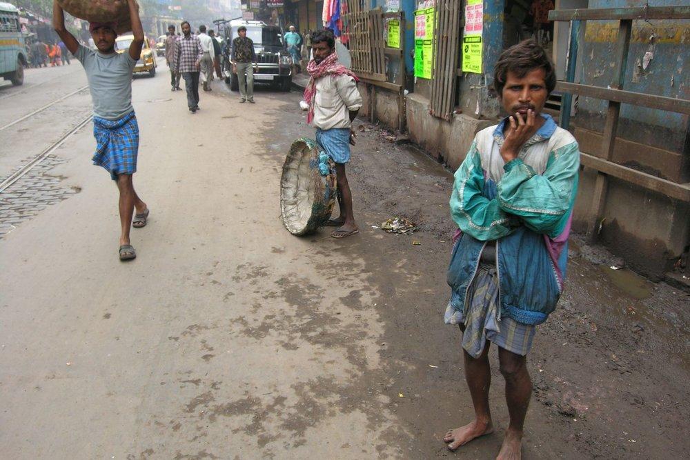 Kolkata - Calcutta   MG rd   Mahatma Gandhi road   Coolies in Calcutta   ©sandrine cohen