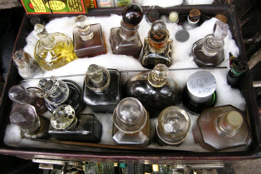 Kolkata - Calcutta   Perfume bottles   ©sandrine cohen