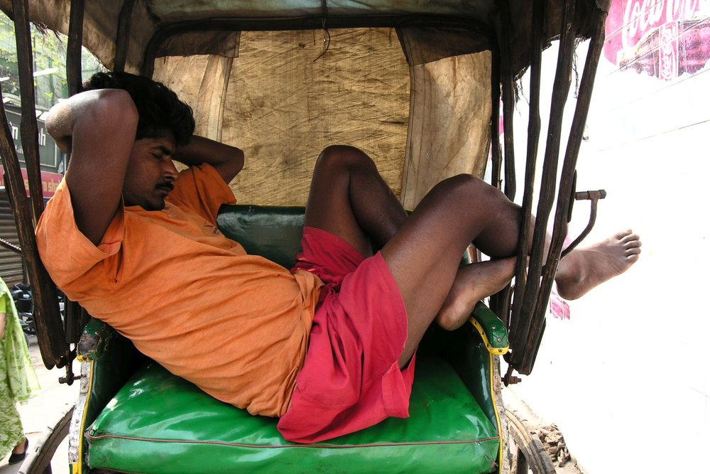 Kolkata - Calcutta   Rickshaw   rickshawala sleeping   ©sandrine cohen
