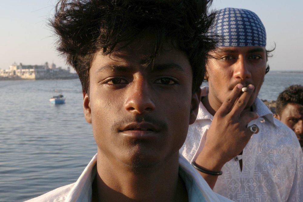 Mumbai - Bombay | Young muslim mubaikars| Haji Ali mosque | ©sandrine cohen