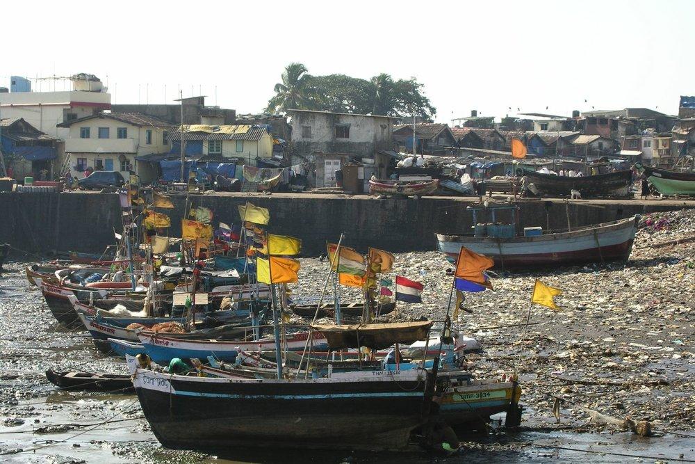 Mumbai - Bombay | Fishing boats in Mumbai | Slum Seasson in Colaba | Slum on seaside at Mumbai | ©sandrine cohen
