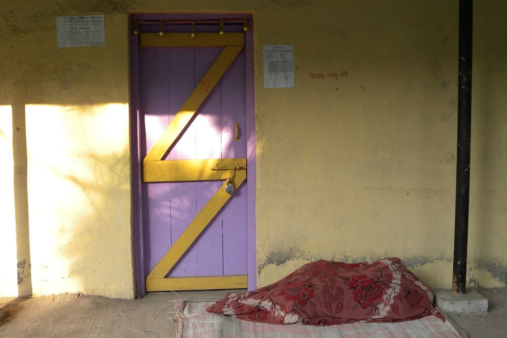 Mumbai - Bombay | Homeless in Mumbai | Woman homeless sleeping in Mumbai | ©sandrine cohen