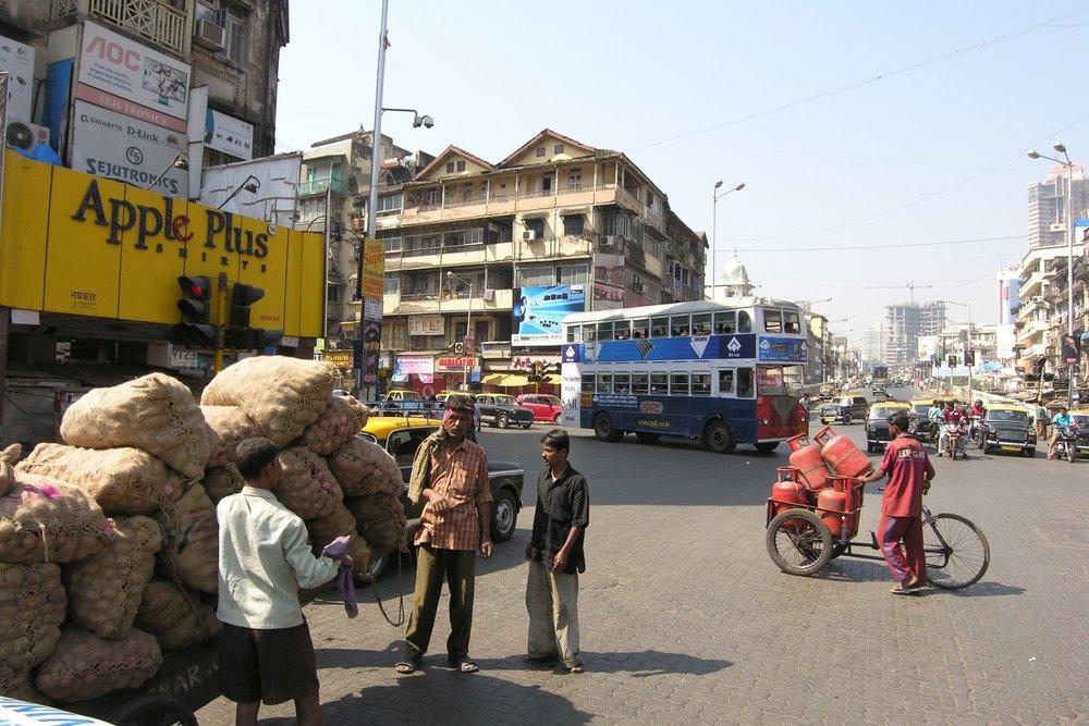 Mumbai - Bombay | Traffic in Mumbai | English bus in Bombay | Grant road | ©sandrine cohen
