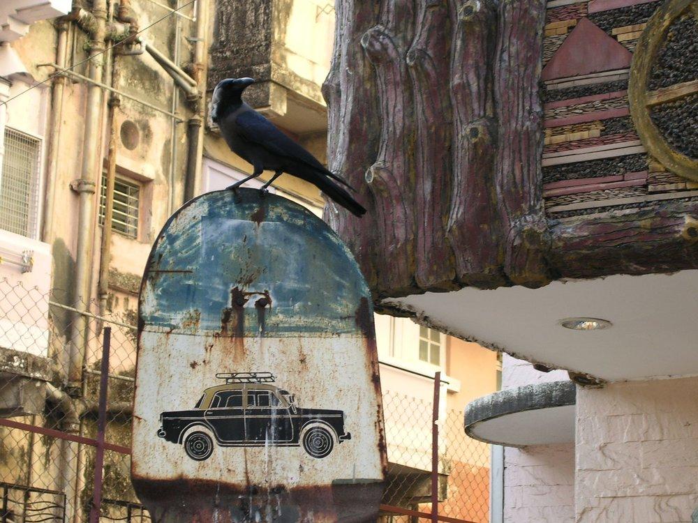 Mumbai - Bombay | Taxi station | Raven from Bombay | Colaba | ©sandrine cohen