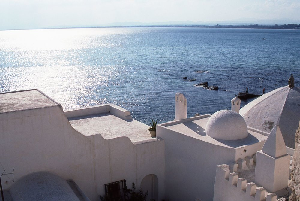 Tunisia | White house in the Medina | photo sandrine cohen