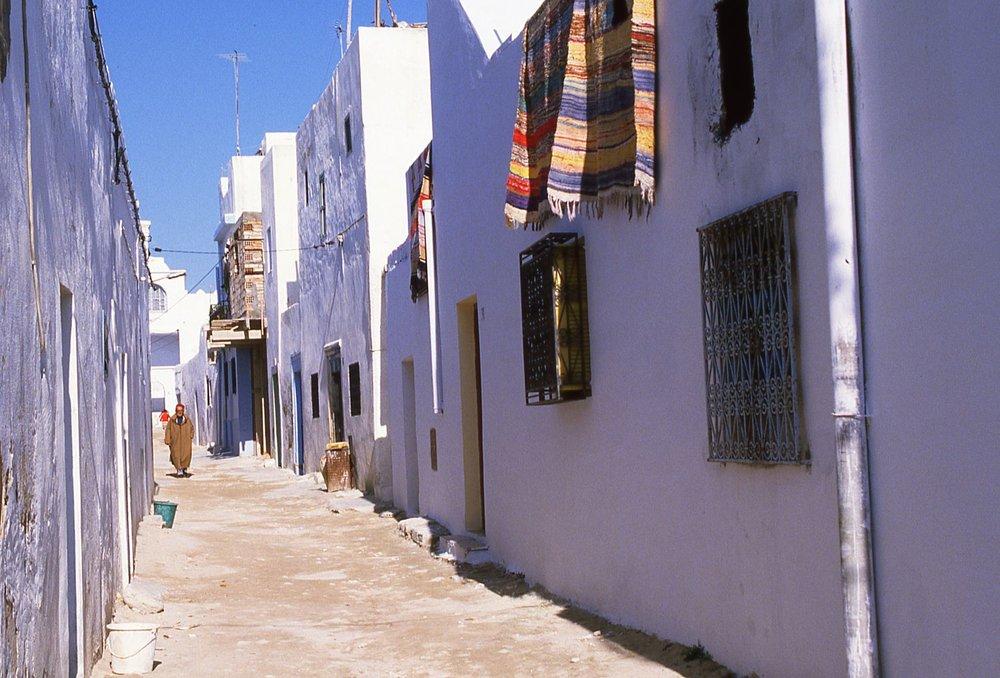 Tunisia | street in the Medina | Hammamet | photo sandrine cohen