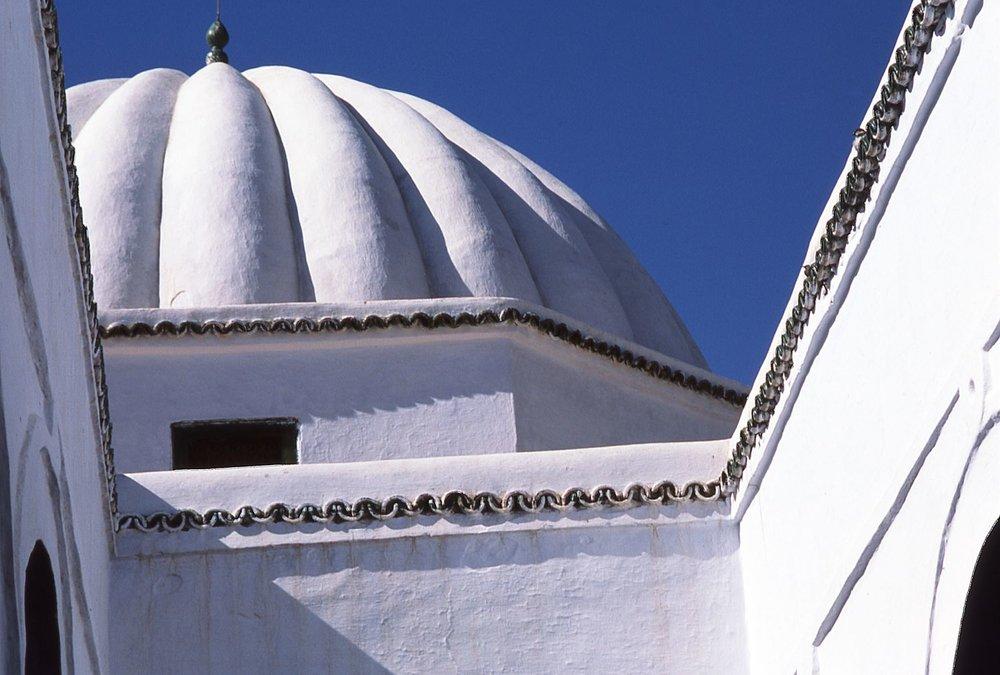 Tunisia | Tunisian architecture | White dome | photo sandrine cohen