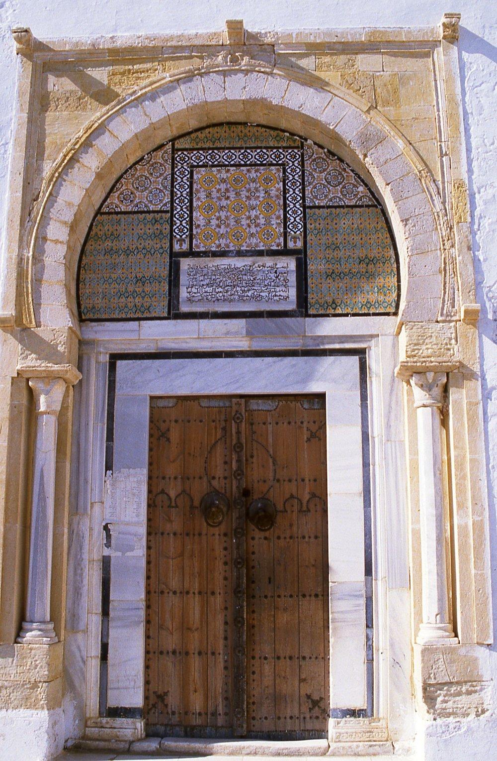 Tunisia | Arabac mosaics | Tunisian door | photo sandrine cohen