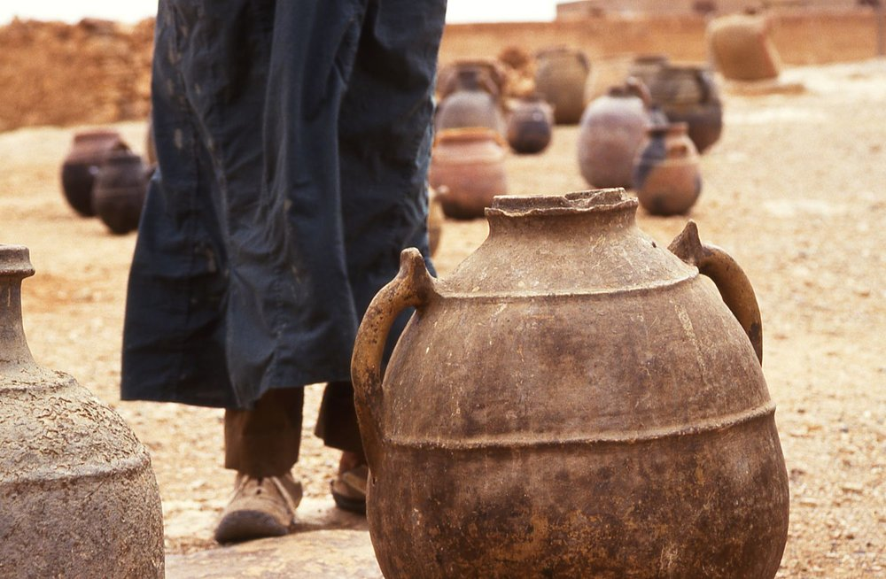Morocco | After Ouarzazate | Pottery in the middle of the stone desert | Photo sandrine cohen