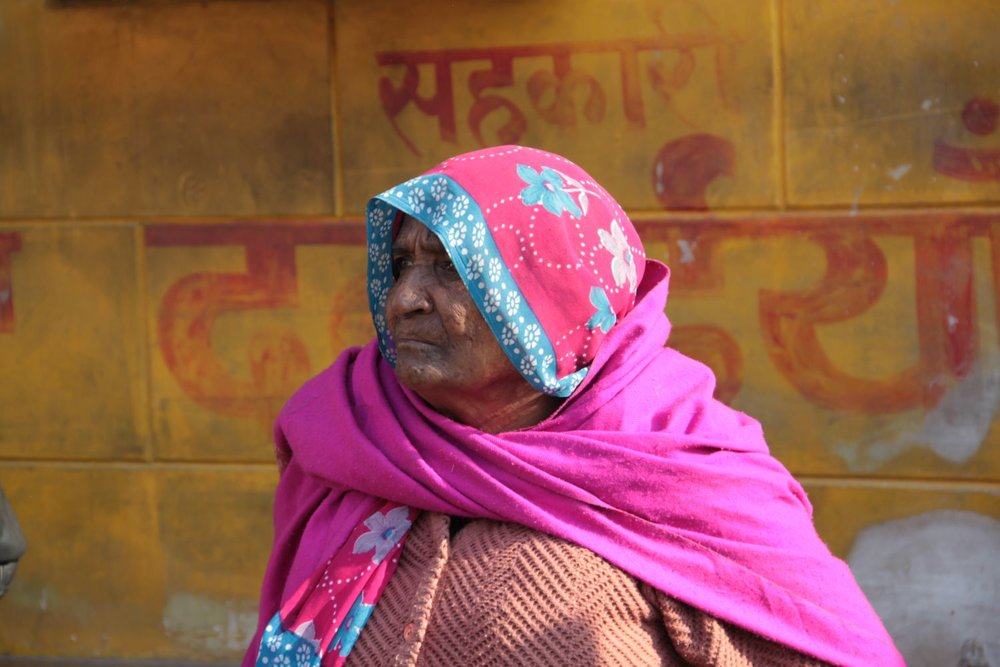 Jaipur | Rajasthan | Pink city | Woman with pink scarf | ©sandrine cohen
