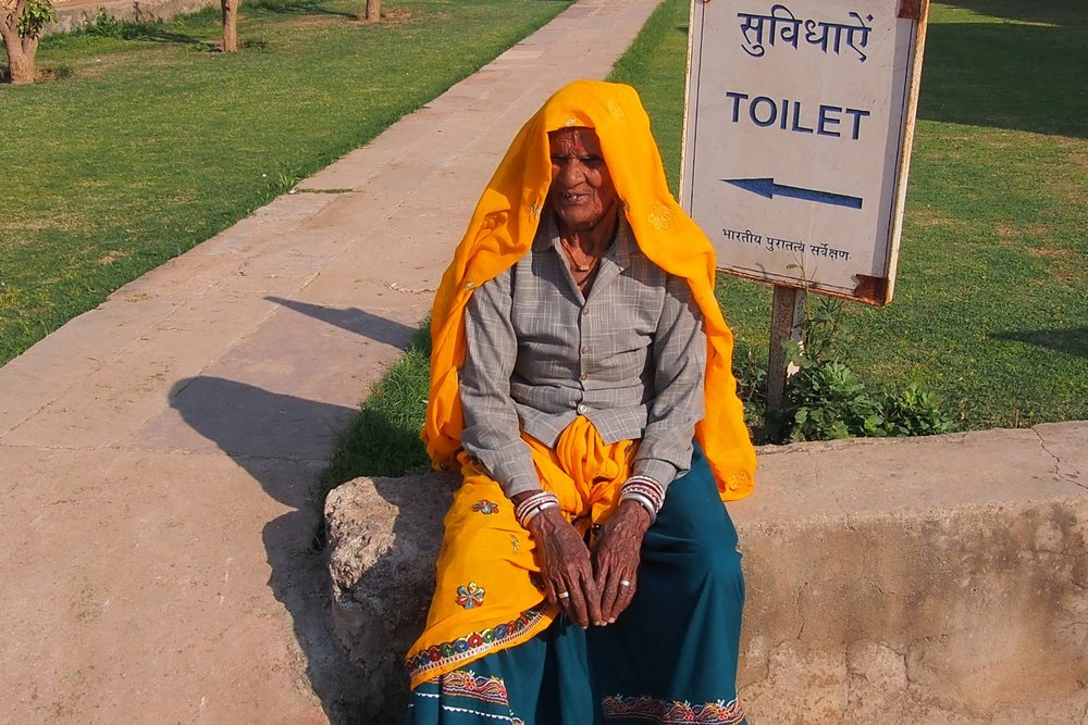Jaipur | Rajasthan | Pink city | Indian woman | Toilets | ©sandrine cohen
