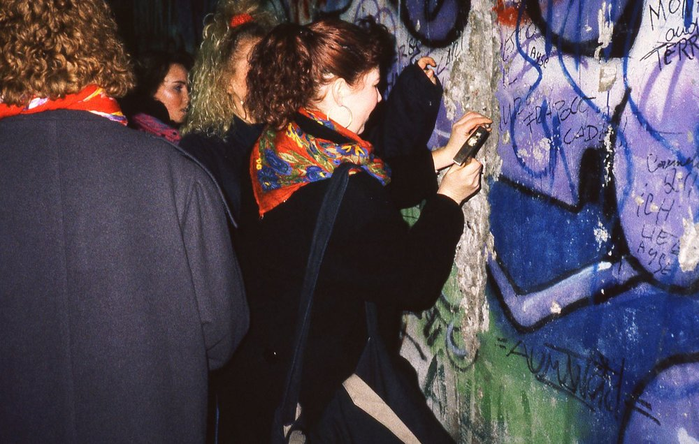 Berlin | The wall | 8 december 1986 when the Berlin wall felling | The first street art | photo sandrine cohen