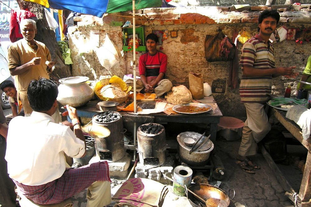 Kolkata - Calcutta | Indian street food | Indian restaurant on the street | ©sandrine cohen