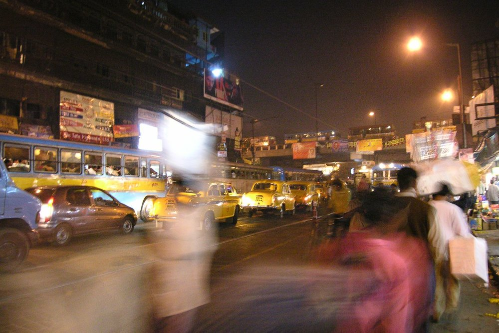 Kolkata - Calcutta | Traffic on Mahatma Gandhi road at evening | ©sandrine cohen