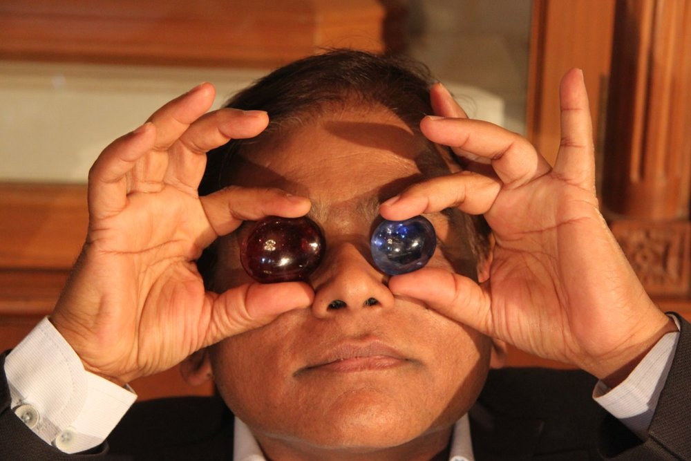 Jaipur   Royal Gems and Arts 8   Haveli of the 17th century   Jewelery and antique   Jeweler of royal Rajasthan families   Santi Choudary owner with precious stones   Photo sandrine cohen