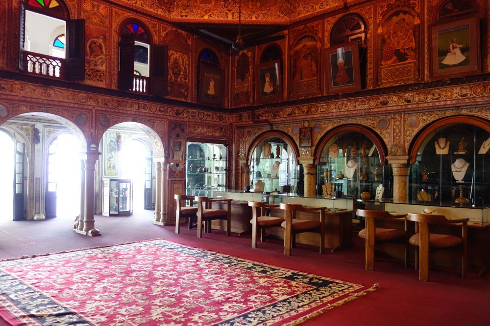 Jaipur   Royal Gems and Arts 1   Haveli (noble house ) of the 17th century   Jewelery and antique   Jeweler of royal Rajasthan families   Santi Choudary owner   Photo sandrine cohen