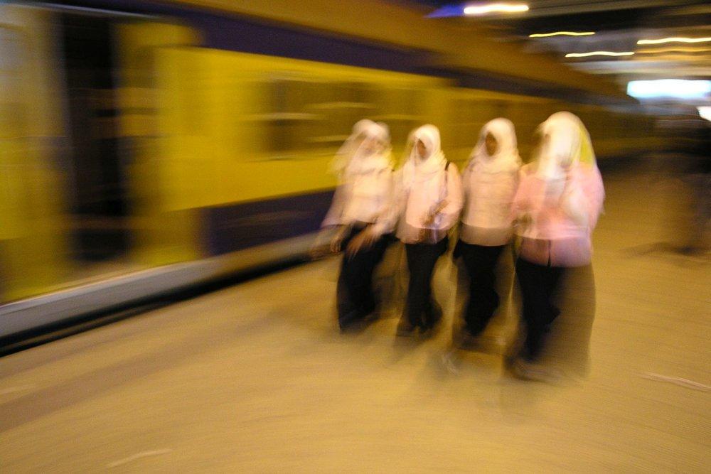 Alexandria Station | Egyptian train | Alexandria Railway station | Egypt | Muslim women | ©sandrine cohen