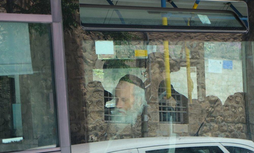 Jerusalem | Orthodox jewish bus | Mea shearim | streetphotography sandrine cohen
