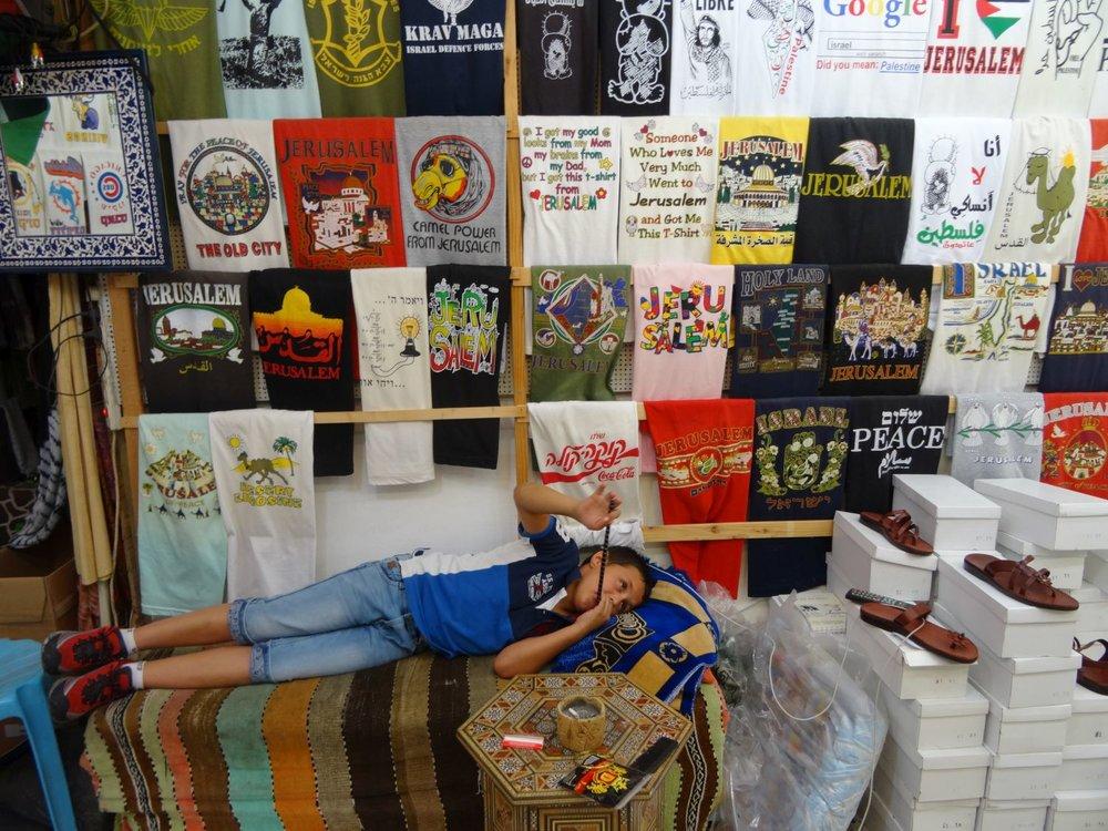 Jerusalem old city | Tshirt shop | photo sandrine cohen