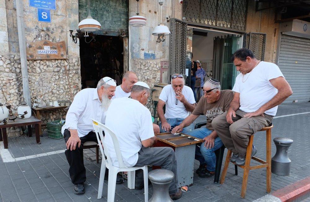 Jaffa | Flea market | Jews playing checkers in the street | Oley tzion street | Photo sandrine cohen