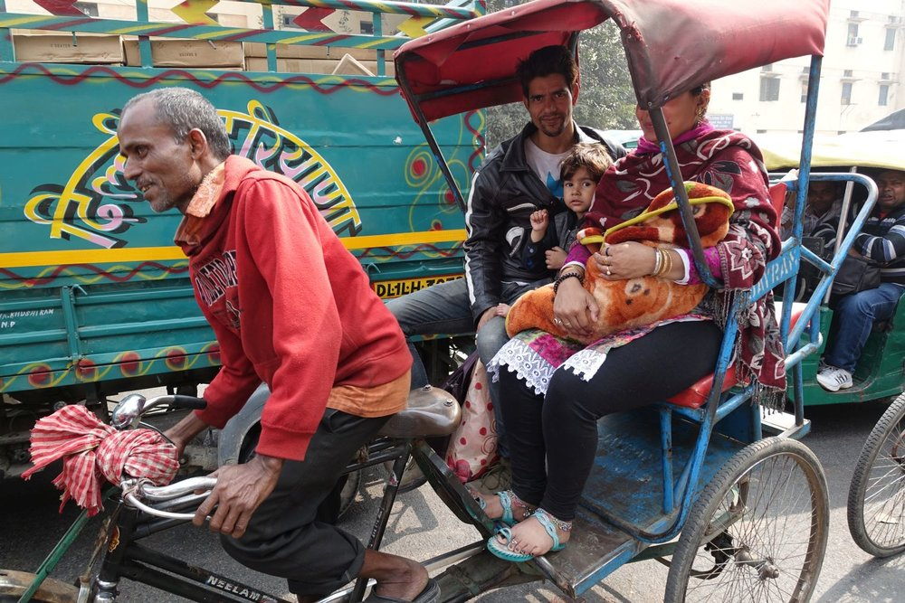 Delhi | Family in a rickshaw | street photography ©sandrine cohen