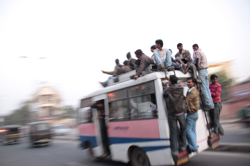 Jaipur | Pink city | Rajasthan | Indian bus with too much people | ©sandrine cohen