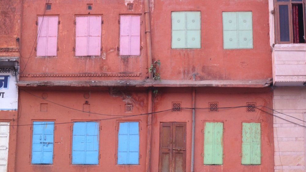 Jaipur | Pink city | Rajasthan | Pink house | Pink, green and blue shutters | ©sandrine cohen