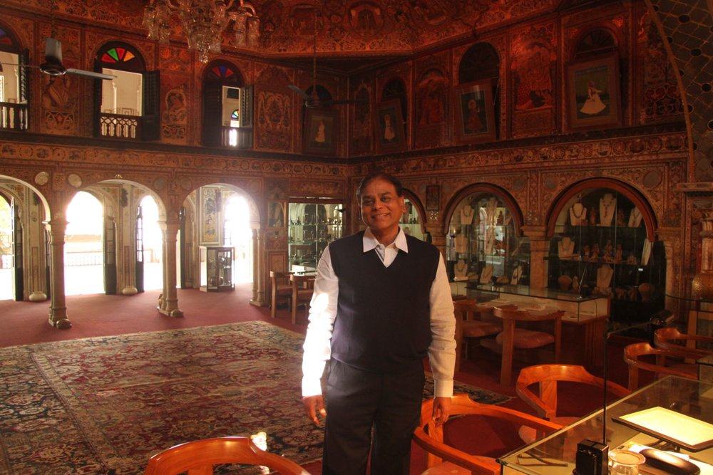 Jaipur   Royal Gems and Arts 7   Haveli (noble house ) of the 17th century   Jewelery and antique   Jeweler of royal Rajasthan families   Santi Choudary owner   Photo sandrine cohen