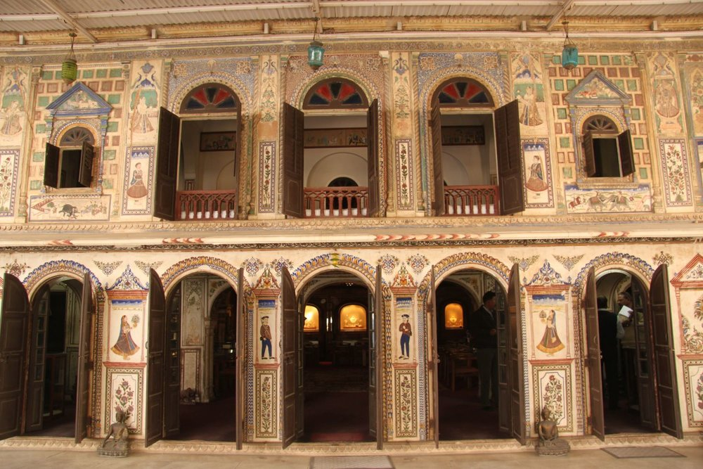 Jaipur   Royal Gems and Arts   Haveli (noble house ) of the 17th century   Jewelery and antique   Jeweler of royal Rajasthan families   Santi Choudary owner   Photo sandrine cohen