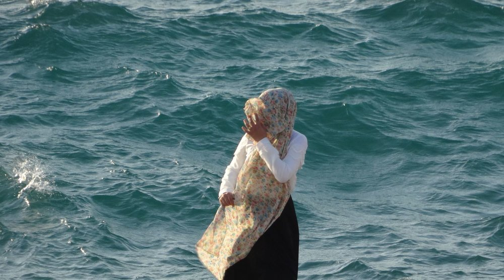 Jaffa | Palestinian woman and the sea 2 | Ajama district | Photo sandrine cohen