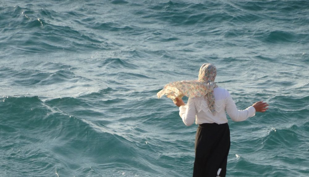 Jaffa | Palestinian woman and the sea | Ajama district | Photo sandrine cohen