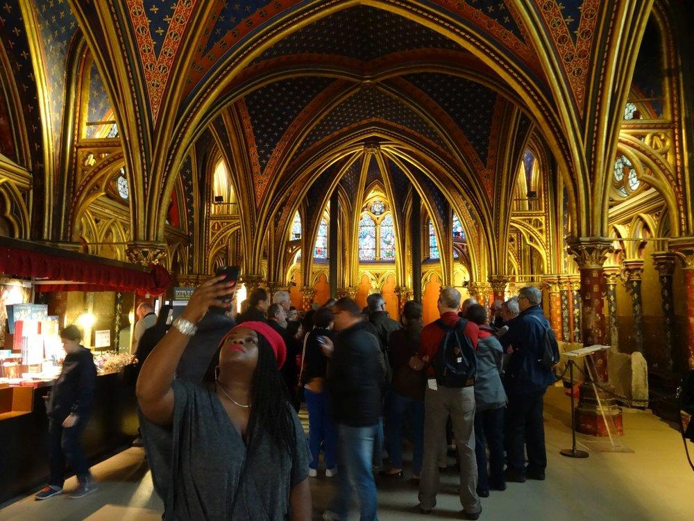 Paris | Selfie à la Sainte-Chapelle | Selfie at the Holy Chapel | photo sandrine cohen