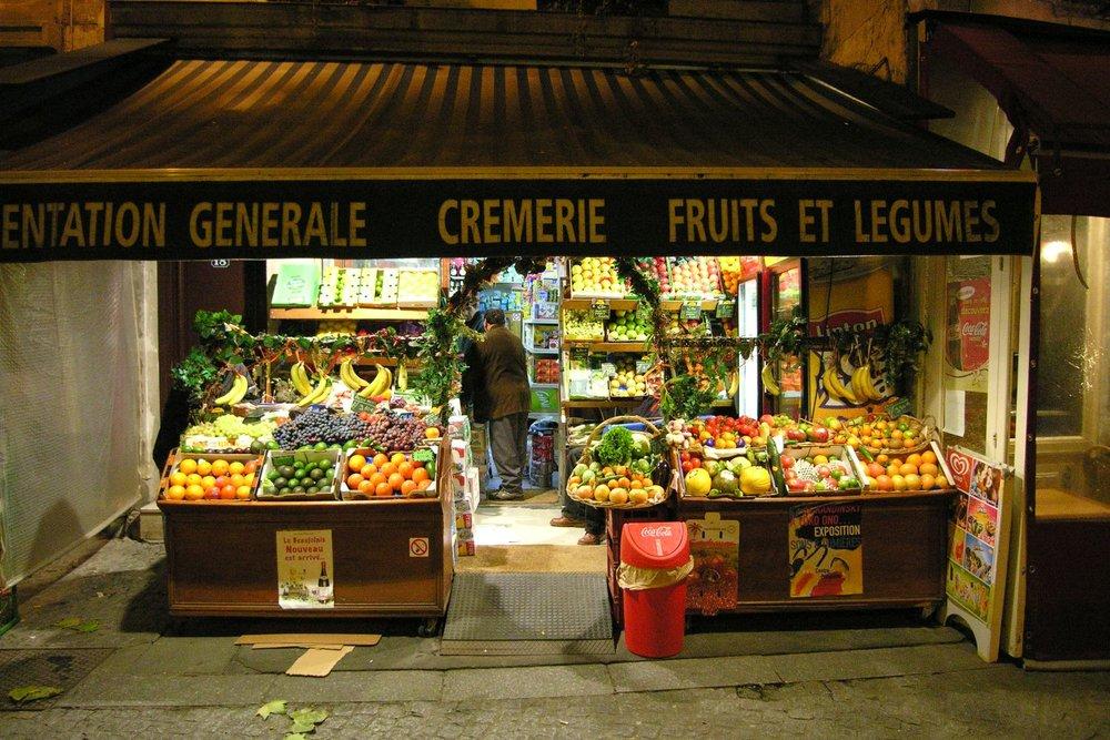 Paris | L'Arabe du coin | L'épicier arabe en voie de disparition à Paris |  The Arab grocer, endangered in Paris | Photo sandrine cohen