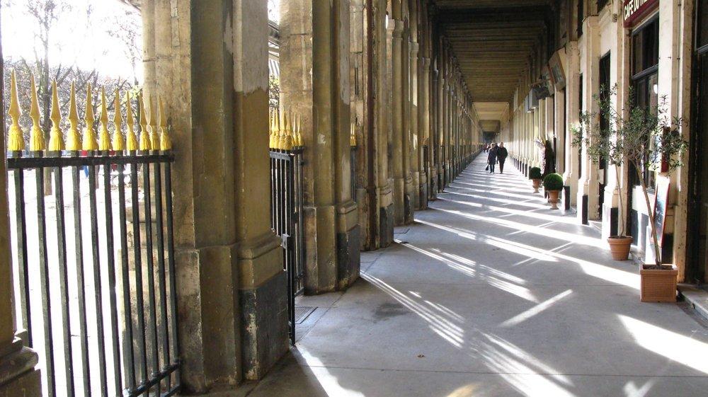 Les Arcades du Palais Royal à Paris | photo sandrine cohen