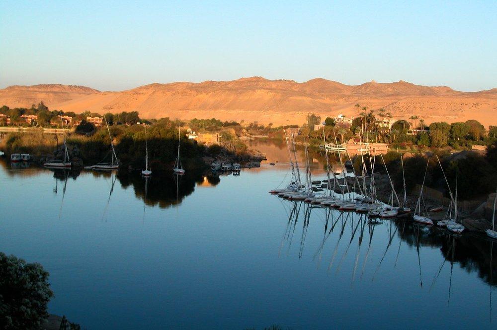 Aswan  Sunset on the Nile  Elephantine Isle  ©sandrine cohen