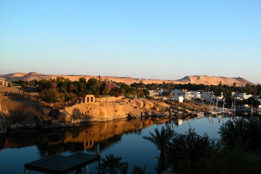 Aswan  Sunrise on the Nile  Elephantine Isle  Tomb Aga Khan  ©sandrine cohen