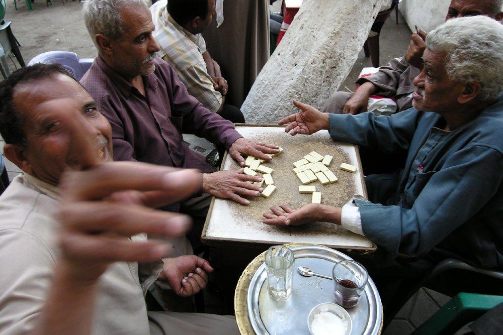 Cairo  Eygpt  Men play dominoes  scene of daily life  streetphotography  ©sandrine cohen